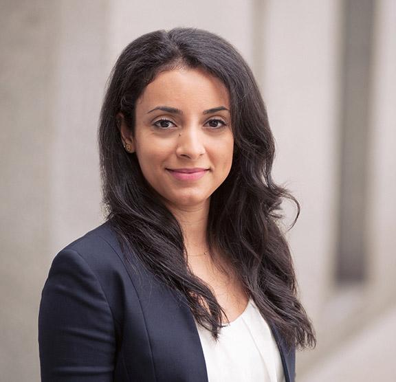 Mojan-Farshchi-immigration-lawyer-canada